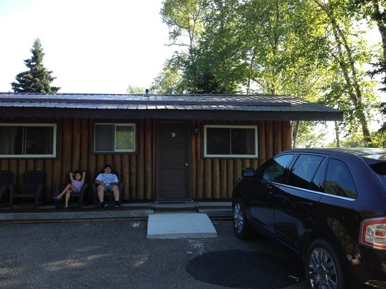 High Falls Motel and Cabins: overnight stop August 2013