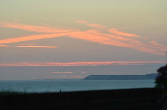 Chale Bay Farm : View after sunset from the patio