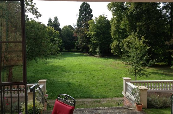Schlosshotel Ruehstaedt: The park from the terrace