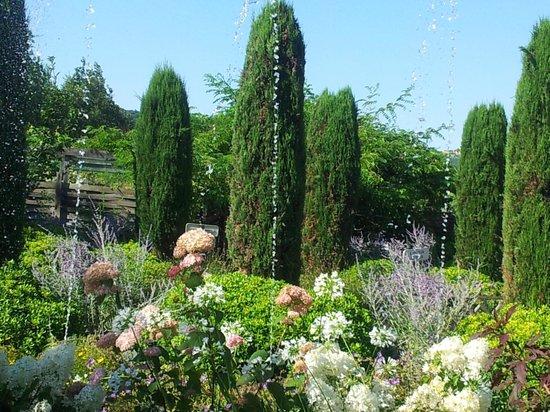 Jardins des Martels : jets d'eau