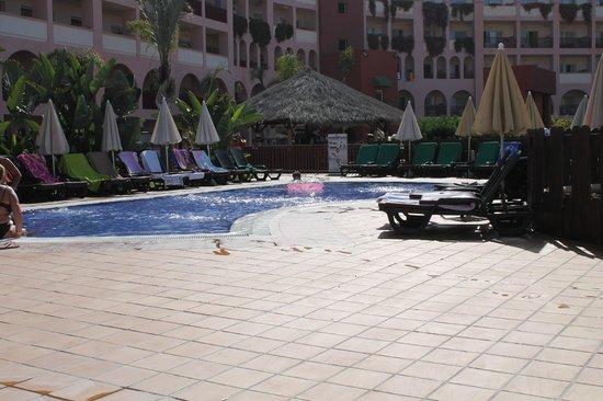 Best Jacaranda : piscine du 5 ème étage (pataugeoire)