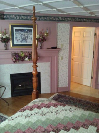 The Polly Harper Inn: Annie's Room