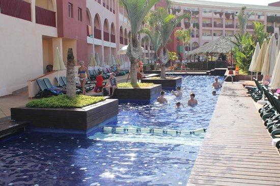 Best Jacaranda : piscine du 5 ème étage