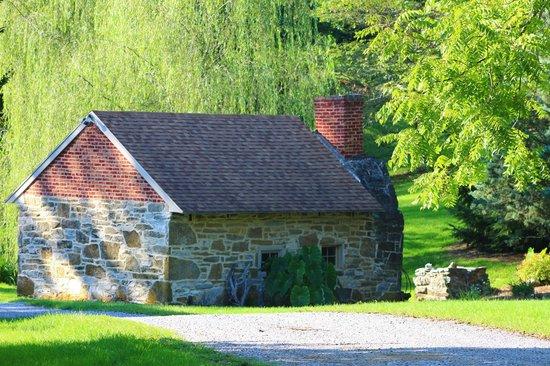 Stoney Creek Farm: Spring House