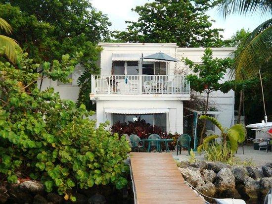 Captain Pip's Marina & Hideaway: our bungalow