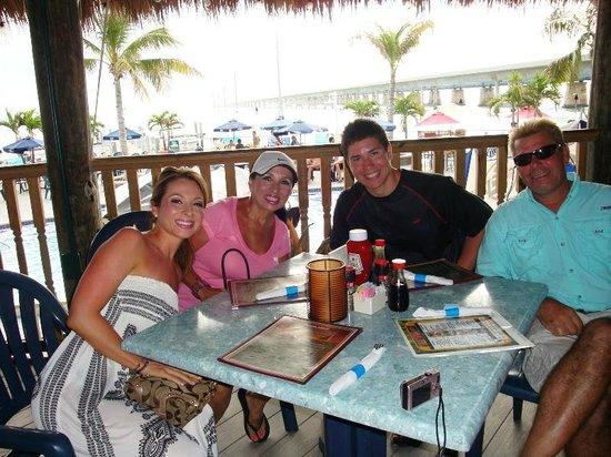 Captain Pip's Marina & Hideaway: tiki bar