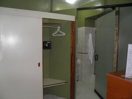 Suites Larco 656 : armário