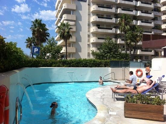 Hotel Calipolis: Lovely pool.