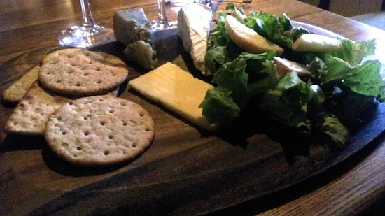 The Victoria Arms: Cheese and biscuits - £6.25
