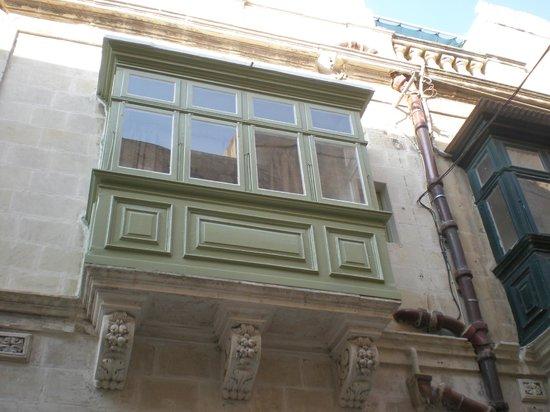 Sally Port Senglea: Fenêtres de la chambre individuelle