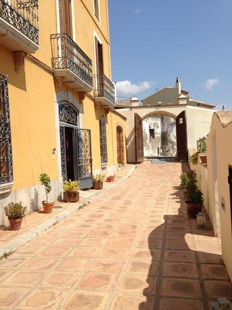 Ibai, Una Osteria Contemporania: Vue sur la rue à partir de l'hôtel