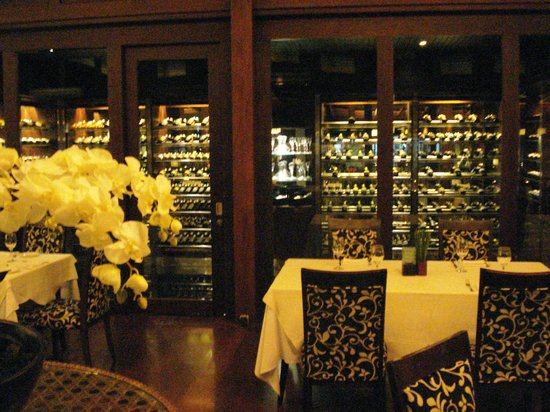 The Village Cucina Italiana: indoors restaurant