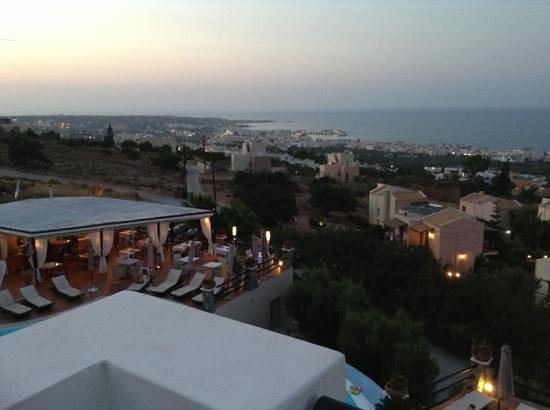 Creta Blue Suites: rooftop restaurant