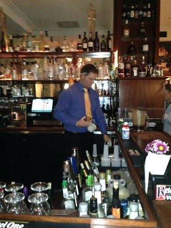 Club Quarters Hotel in Washington, D.C.: Wonderfully attentive bartender.