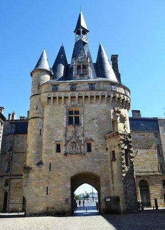 La porte cailhau fotograf a de porte cailhau burdeos for Porte cailhau