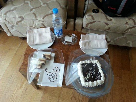 The Royal Savoy Sharm El Sheikh: Honeymoon cake