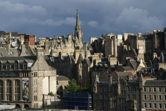 Discreet Scotland Day Tours : Edinburgh you