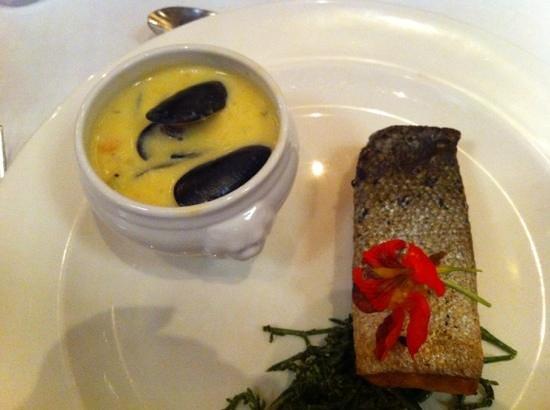 Temptations Restaurant: salmon