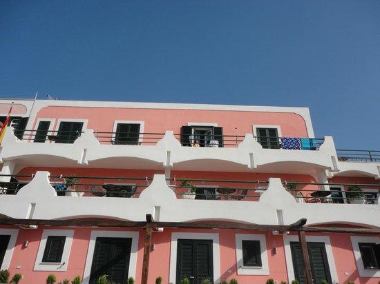 hotel ortensia : desde afuera