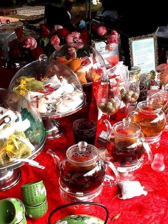 Marrickville Organic Food and Farmers Markets: insane tea range