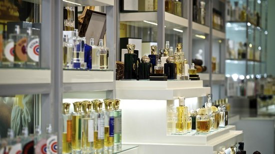 The Most Beautiful Fragrances of the World - Picture of Neroli Luxury Perfumery, Budapest ...