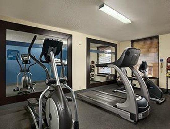 Days Inn & Suites Albuquerque North: 24 Hour Fitness Room