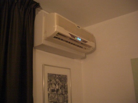 Hotel Colbert: エアコン