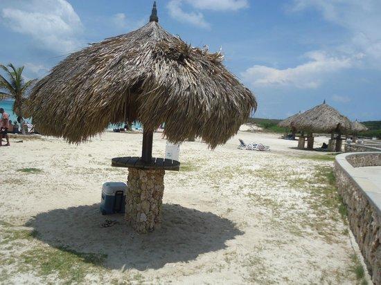 Arashi Beach : Sombrinha