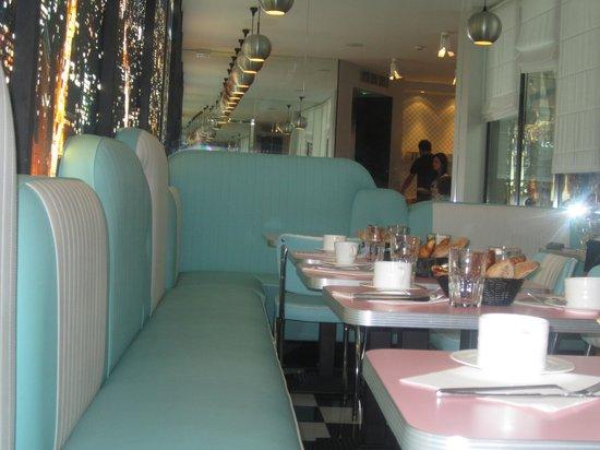 Platine Hotel: sala colazione