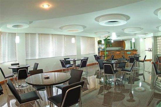 Copas Executive Hotel: Bar