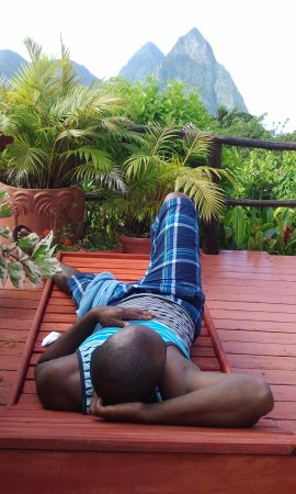 Crystals St Lucia: relaxing watching the lovely pitons mango cottage