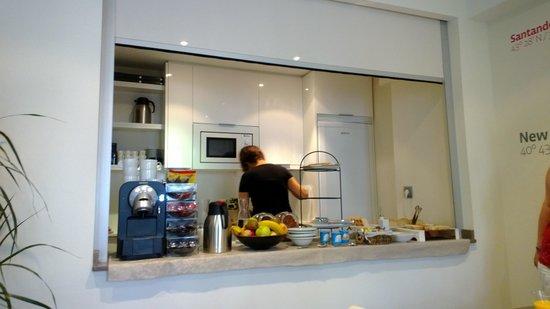 Le Petit Boutique Hotel: Breakfast set up