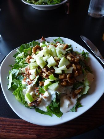 Grille 459: A salad that we had.