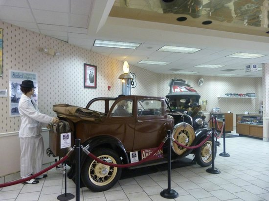 Route 66 Hotel And Conference Center : recepcion