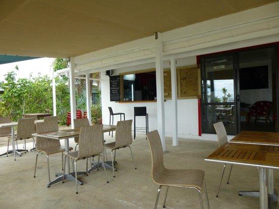 Falala Fa: Covered outdoor dining