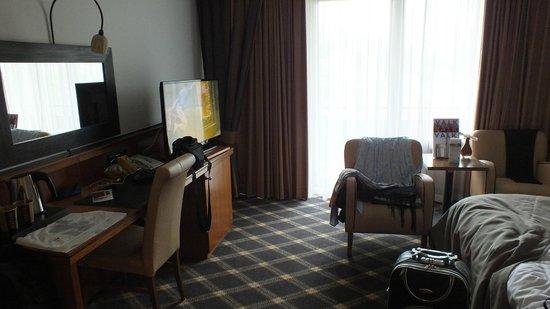 Van Der Valk Eindhoven Hotel: Habitacion con mis cosas incluidas