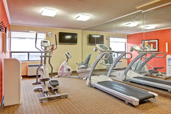 Best Western Plus Toronto North York Hotel & Suites: On Site Fitness Center