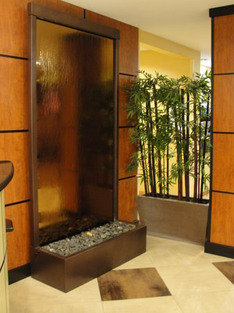 Holiday Inn Express & Suites Atlanta East-Lithonia : WaterFall