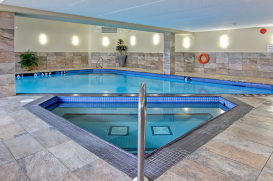 Best Western Plus Toronto North York Hotel & Suites: Indoor Pool & Hot Tub Open Everyday 7am-11pm