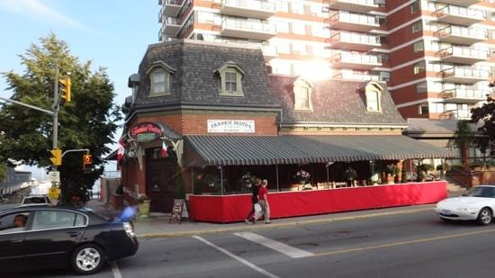 Frankie Pestos Italian eatery: On Ontario Street