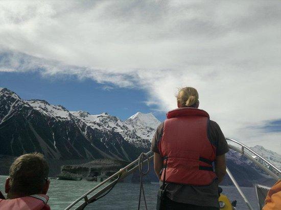 Mount Cook from Tasman Glacier Lake