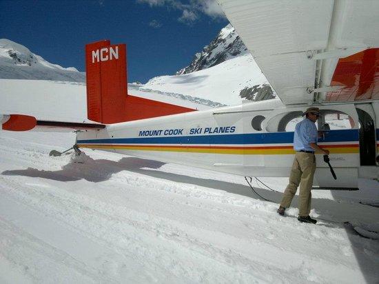 Tasman Glacier: Mount Cook Ski Plane