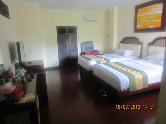 Adi Dharma Cottages: our room