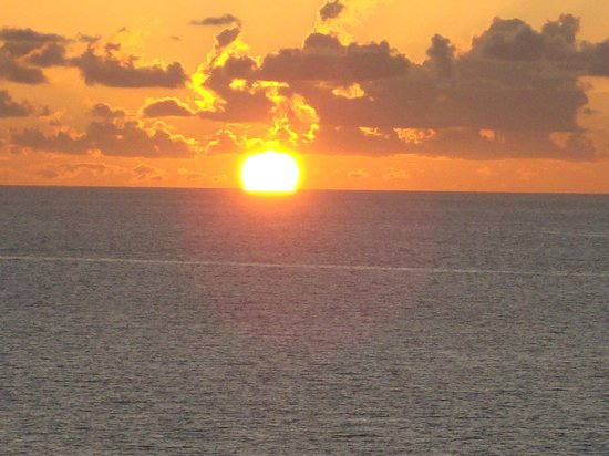 The Charter Club of Marco Beach: What Marco Island is known for- Beautiful Sunsets