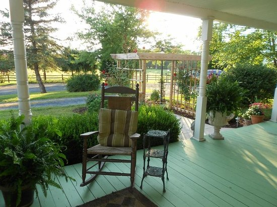 Piney Hill Bed & Breakfast: Piney Hill Front Port