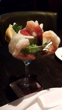 The Keg Steakhouse + Bar Place Ville Marie : Jumbo Shrimp Cocktail appetizer