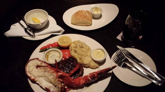 The Keg Steakhouse + Bar Place Ville Marie : Filet Mignon with Half Lobster
