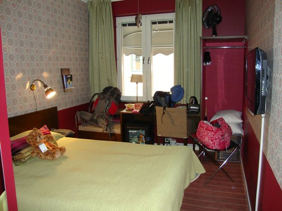 Freys Hotel: single room