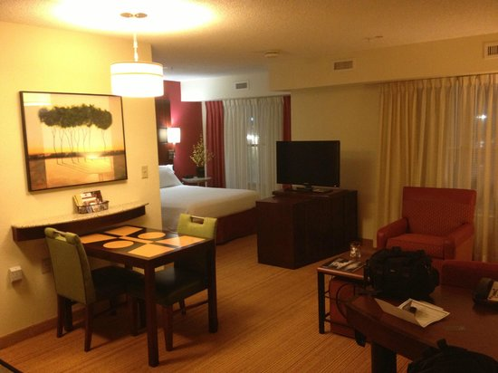 Residence Inn Fort Myers: King suite