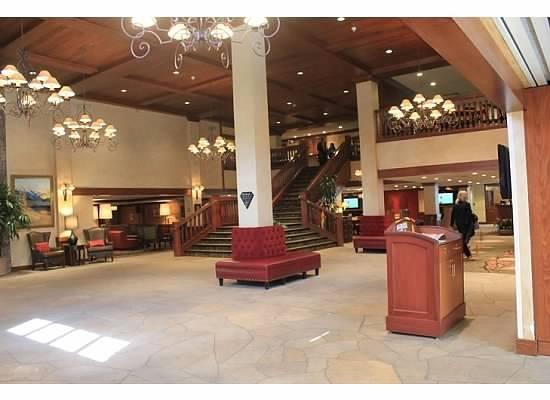 Vail Marriott Mountain Resort: Rocky Mountain Lobby